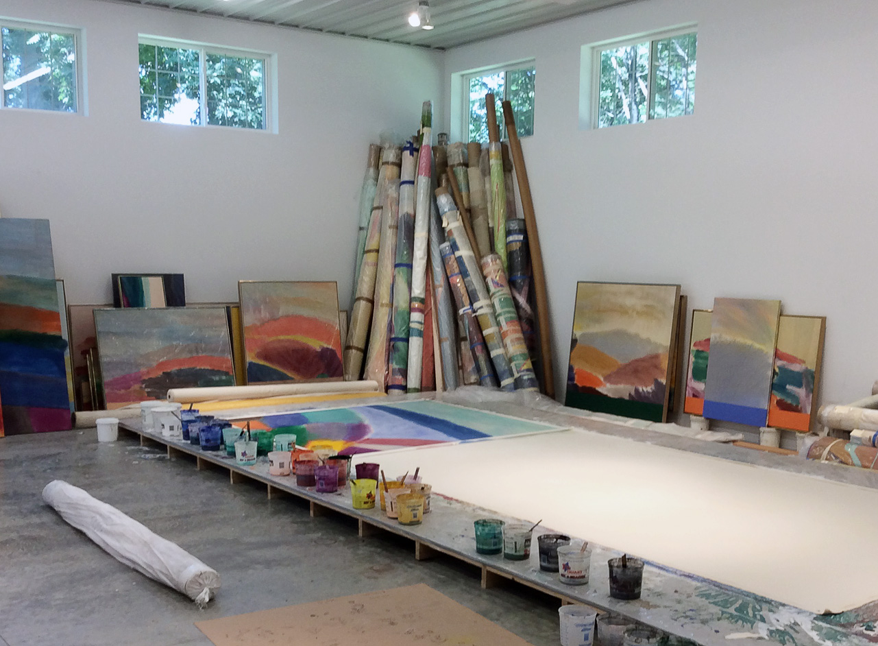 studio_canvas_on_table